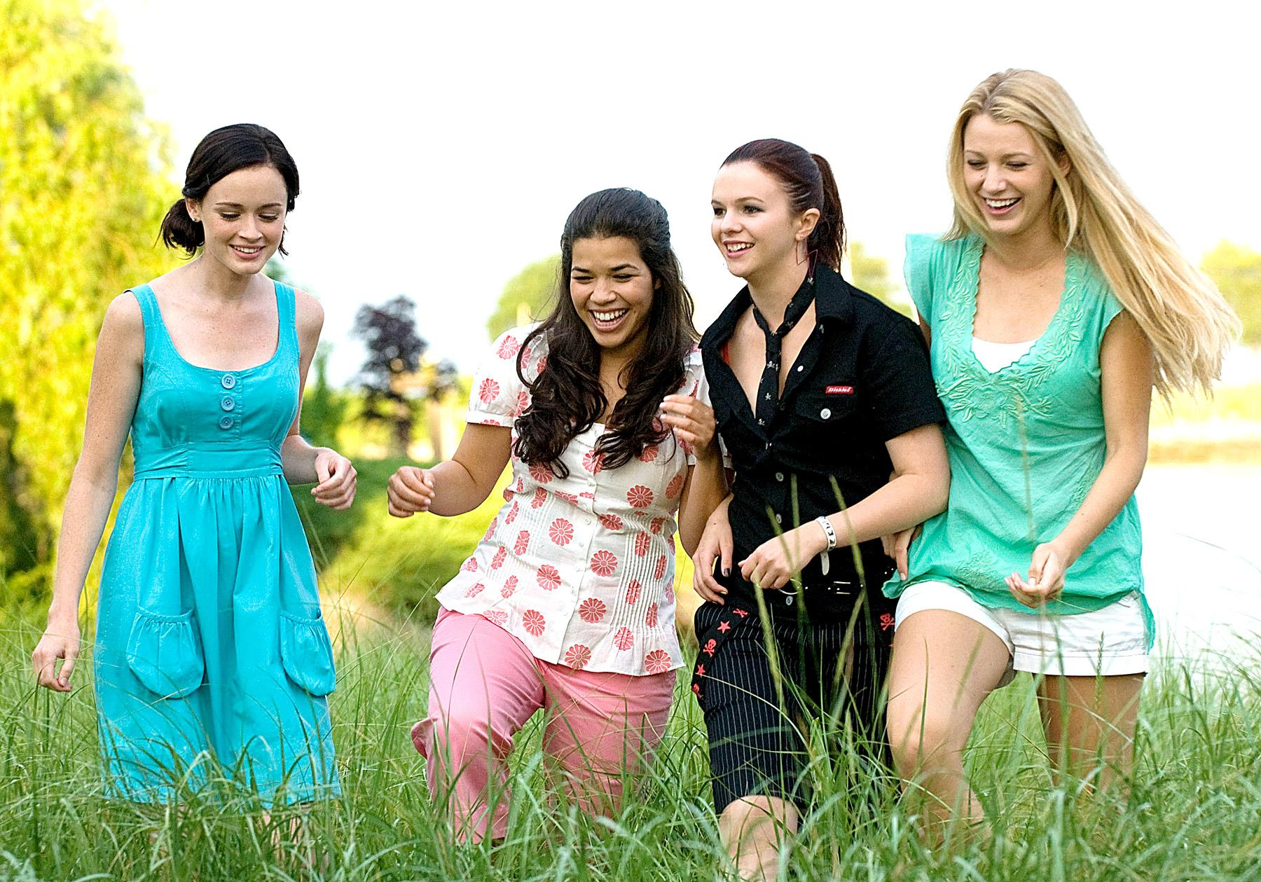 the sisterhood of the traveling pants The sisterhood of the traveling pants is a series of novels written by ann brasharesthey chronicle the summers of four teenage girls who share a pair of blue jeans which magically fit all four.