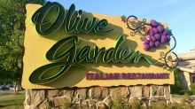 Olive Garden debuts 'breadstick bouquets'