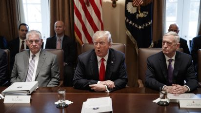 """""""Son unos estúpidos, unos bebés"""": el insulto que Trump lanzó al alto mando militar de EEUU"""