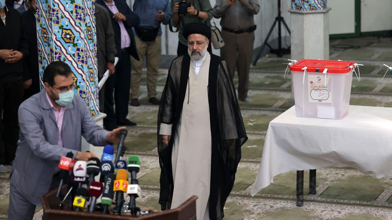 Conservative cleric Ebrahim Raisi elected Iran's president