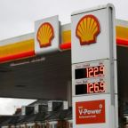 Shell shareholders back climate plan despite criticism