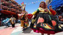 El principal carnaval de Bolivia prohíbe la venta y consumo de alcohol