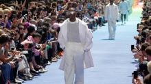 Com revolução de cor, Virgil Abloh marca nova era da linha masculina da Vuitton