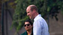 Prince William & Kate Play Cricket With Pakistani Cricket Team