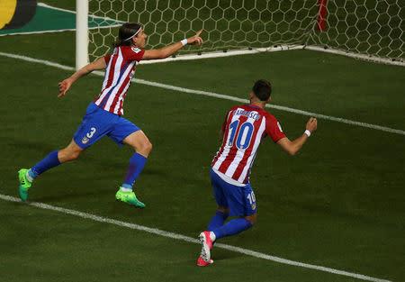 Foto del martes del defensor de Atlético Madrid Filipe Luis celebrando tras marcarle a la Real Sociedad