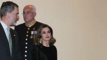 Letizia Ortiz y los pendientes de filigrana dorados más sorprendentes de su joyero