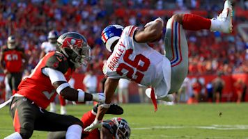 Saquon Barkley forced out of game with ankle injury