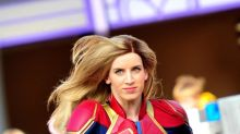 Capitana Marvel salta de la pantalla a un parque Disney en París