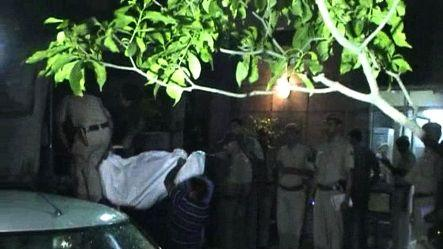 Delhi: Minor girl commits suicide in police station