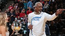 1977 NBA Slam Dunk champ Darnell Hillman is finally given a trophy, 40 years later