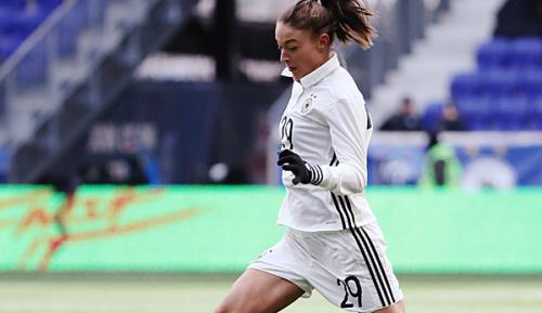 Frauenfußball: Potsdam zieht mit Spitzenreiter Wolfsburg gleich