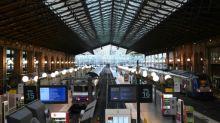 Francia se prepara para una huelga masiva contra explosiva reforma de pensiones