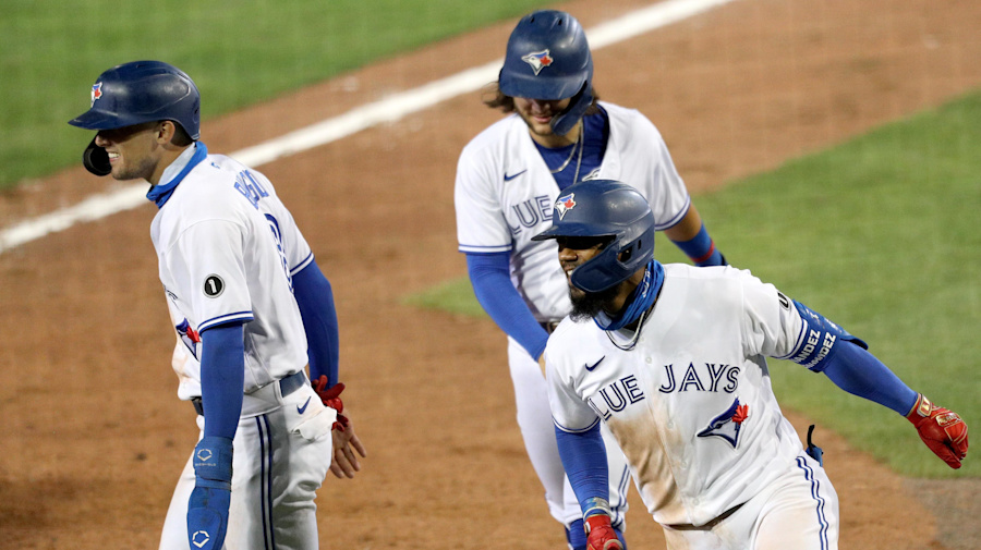 Blue Jays crush the Rays in Buffalo