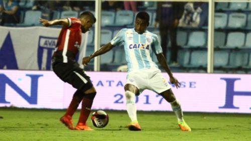 Com gol de Denilson, Avaí derrota o Joinville na Ressacada