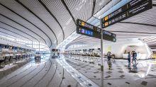 Nach nur vier Jahren: Xi eröffnet Mega-Flughafen in Peking
