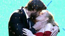 Pero, ¿quién besa así a Liam Hemsworth?
