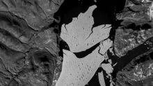 Dismay as huge chunk of Greenland's ice cap breaks off