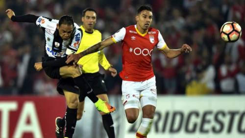 Ricardo Oliveira se irrita por sair, mas se desculpa e diz: 'Queria ajudar'