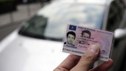 Passer le permis de conduire devrait coûter moins cher