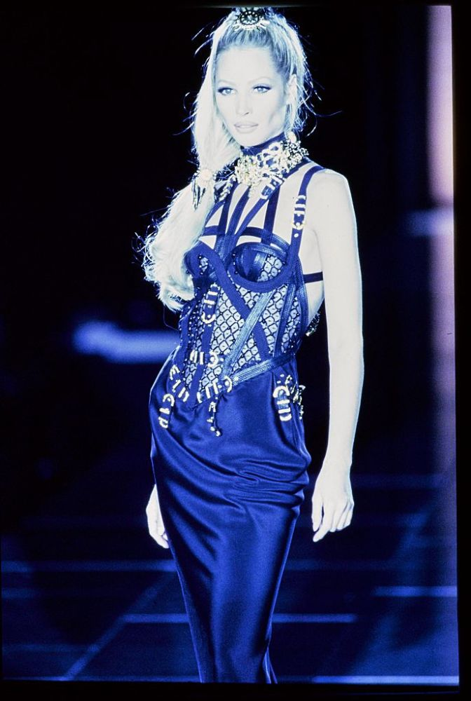 Versace Fall 1992 RTW runway show. (Photo by Guy Marineau/Conde Nast via Getty Images)