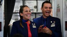 Francisco celebra el primer matrimonio a bordo del avión papal