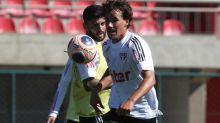 São Paulo inicia período em Cotia com novo treino com bola