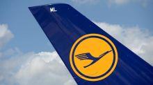 Kritiker vermissen im neuen Lufthansa-Logo das traditionelle Gelb. Konzernchef Carsten Spohr verteidigt die Neugestaltung – mit einer emotionalen Begründung.
