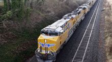 Railroad Stocks on Fast Track Ahead of Earnings