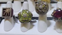 Signet Jewelers Ltd. Stock Soars on Q1 Earnings Beat