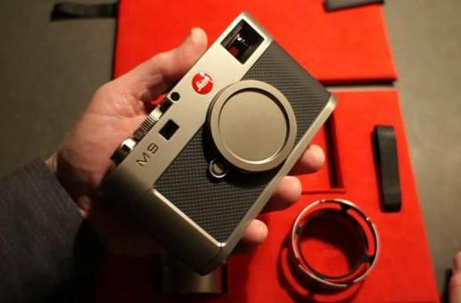Leica M9 Titanium unboxed, handled with all the care a $32,000 camera deserves (video)