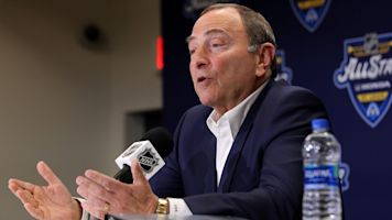 Bettman: Money 'is not what's driving' return plan