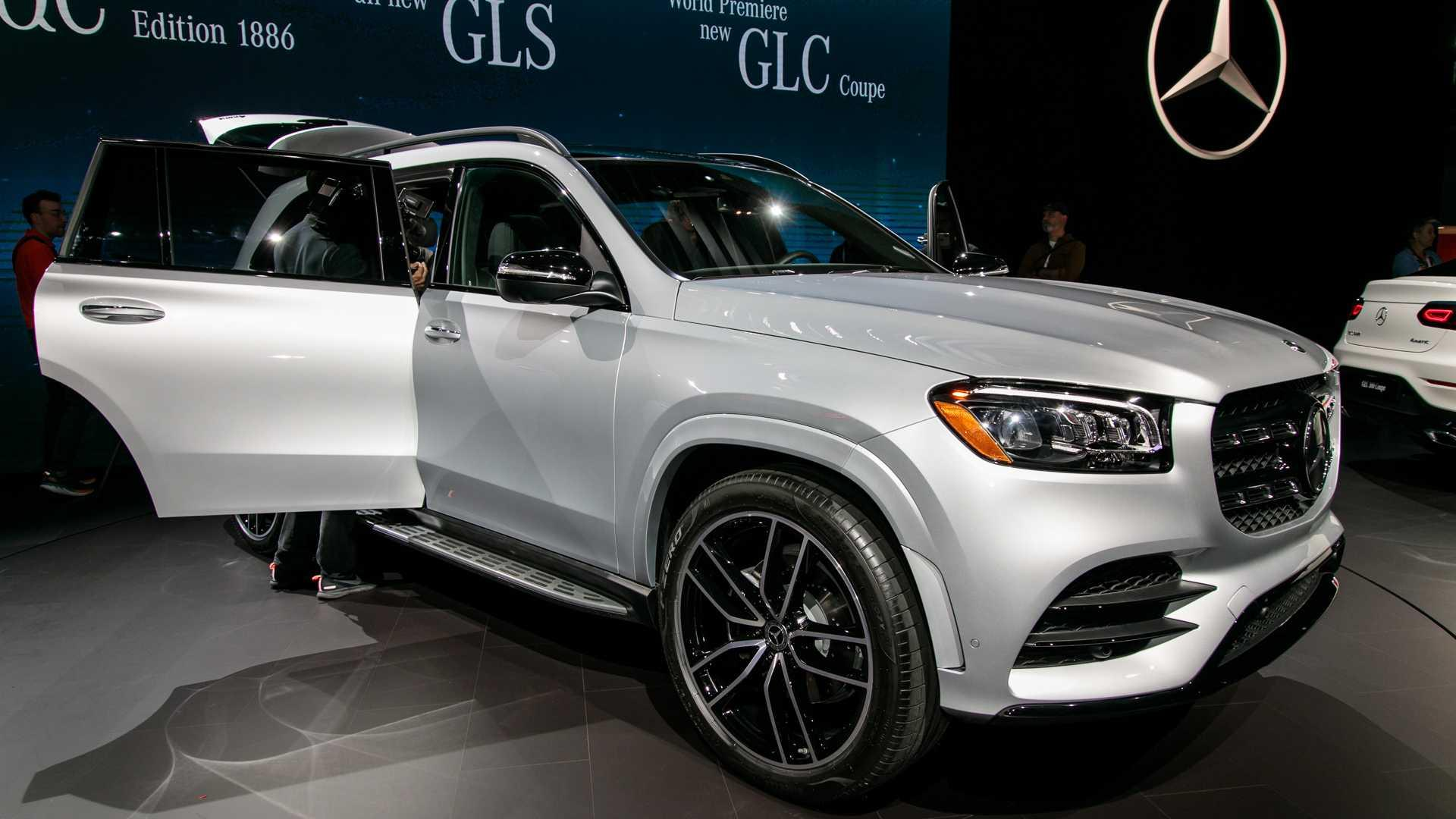 2020 Mercedes Gls Vs Bmw X7 How Do They Stack Up