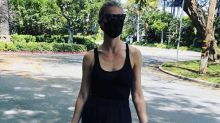 Gwyneth Paltrow wears a face mask to farmers' market amid coronavirus pandemic