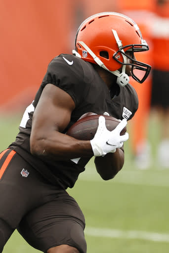Browns RB Chubb out with concussion, LB Wilson hurts knee