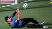 Courtois vuelve en un entrenamiento protagonizado por el balón