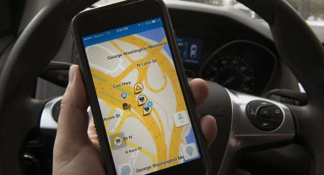 Boston partners with Waze to clear up clogged streets