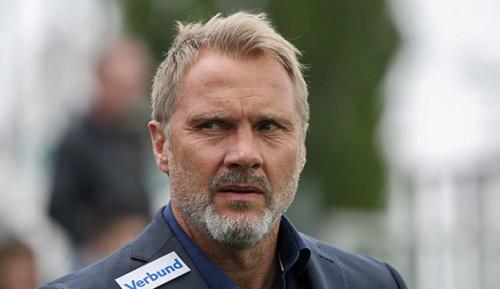 International: Entscheidung gefallen: Basel präsentiert neuen Trainer