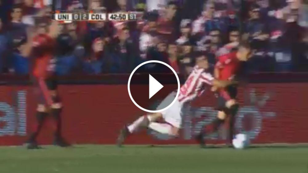 VIDEO: Insólito tackle en el clásico de Santa Fe que terminó con una doble expulsión