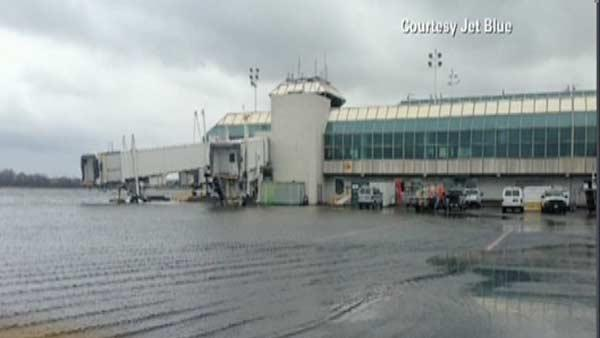 Air travel begins to recover following Sandy