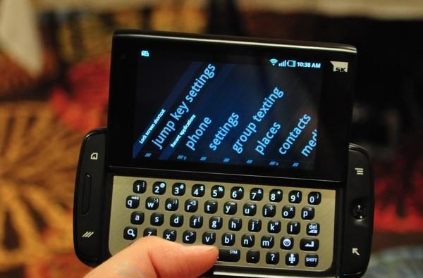 T-Mobile Sidekick 4G by Samsung priced at $99.99 with a two-year contract, we go hands-on