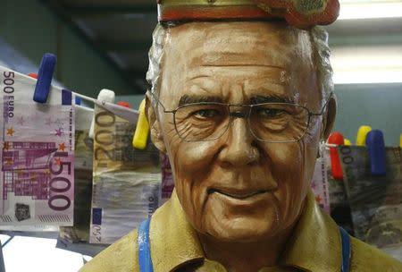Fiscales suizos interrogan a Beckenbauer por candidatura de Alemania a Mundial 2006