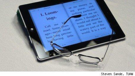Backlit e-readers such as iPad help those with vision loss