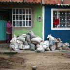 Despite some aid, poor Colombians fall through cracks during coronavirus lockdown