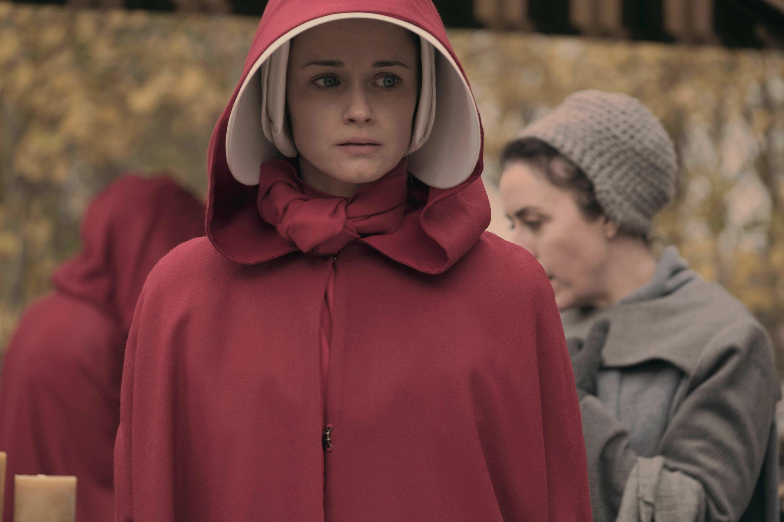 handmaids tale comparison between movie and Exploring the dystopian 'renaissance': a comparison between the handmaid's tale and brave new world.