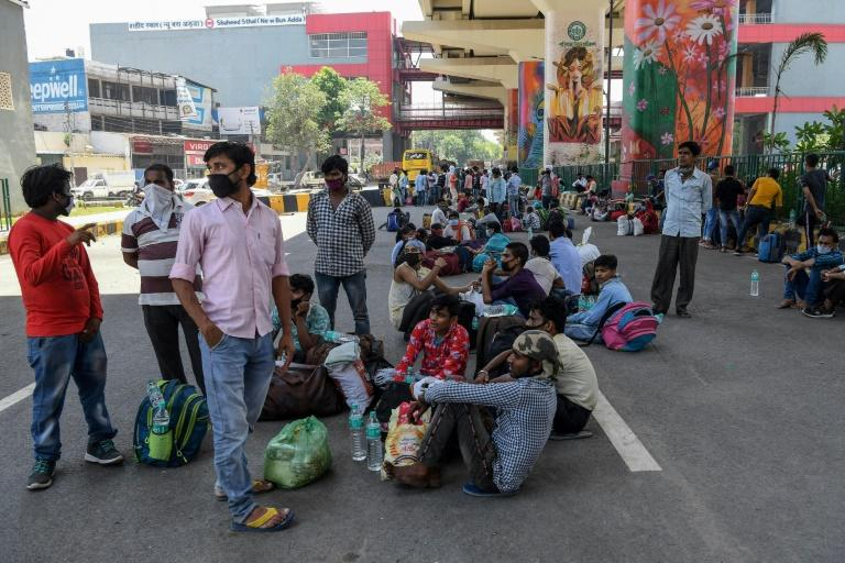 India lockdown: 23 migrants killed in truck crash while going home