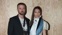 Justin Timberlake se disculpa con su esposa tras ser fotografiado de la mano con otra mujer