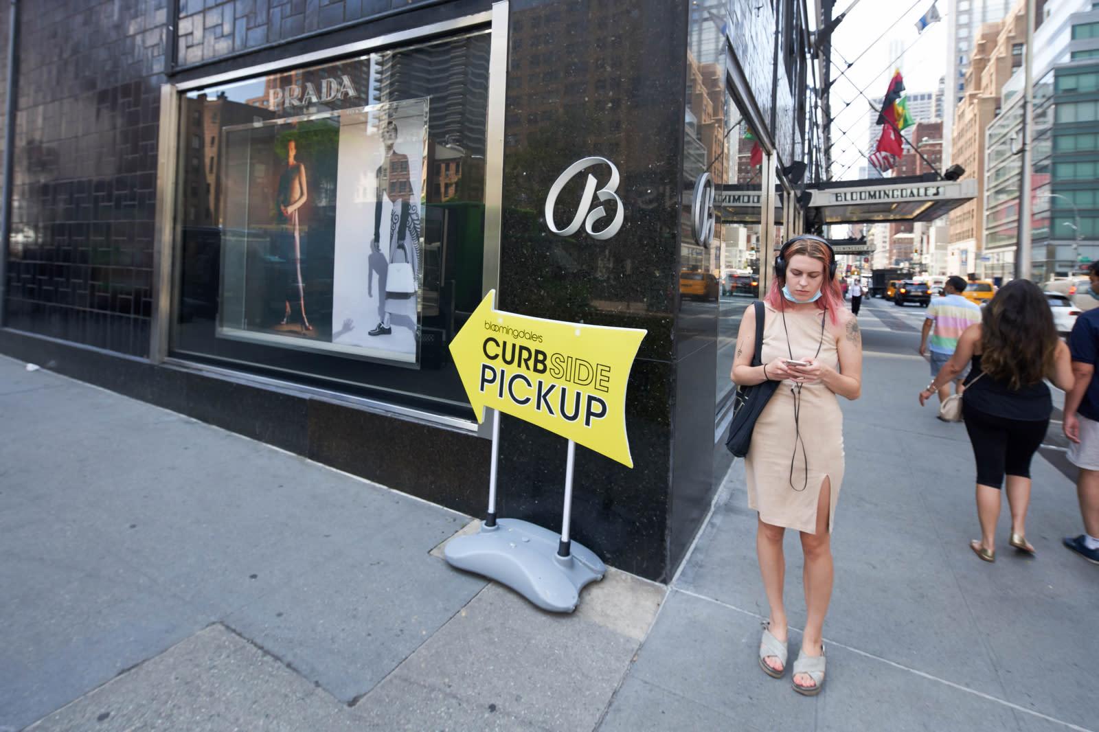 Fashion vs. the Economy: Retail Faces Double Dip