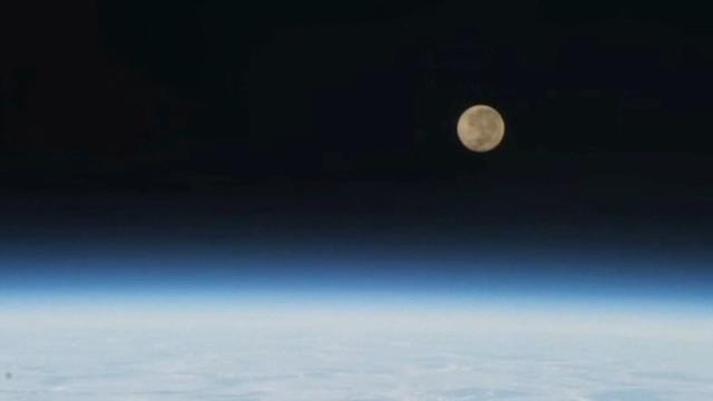 MOON SETTING FROM THE ISS