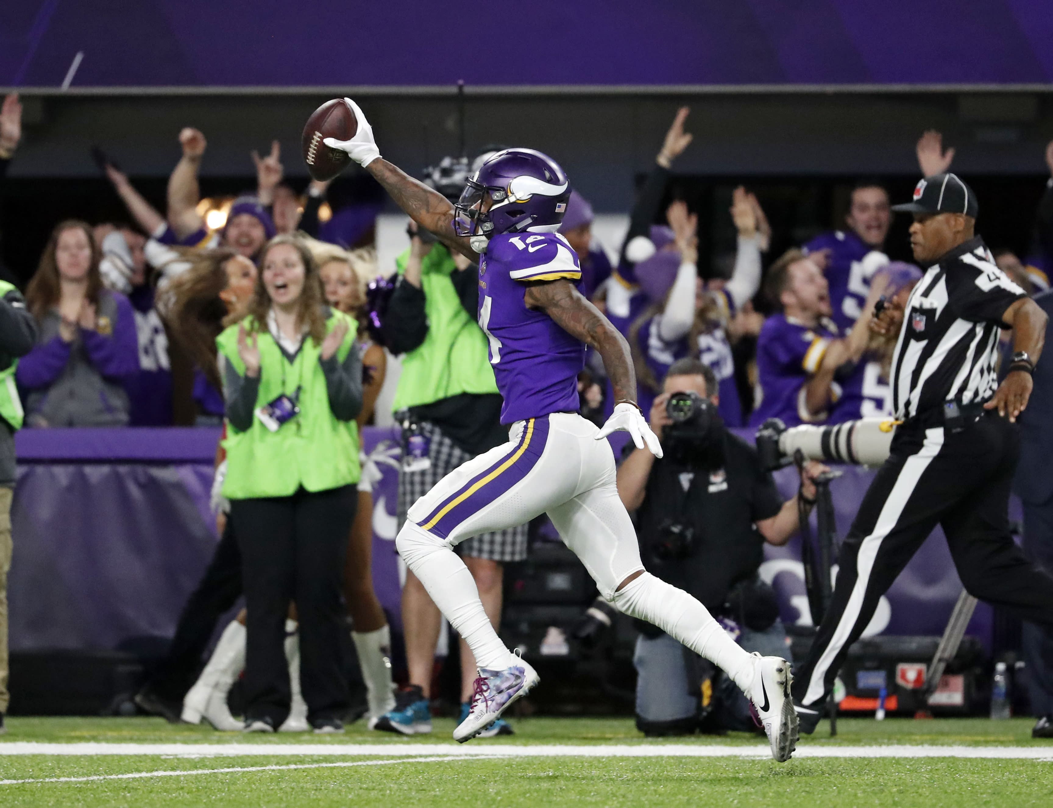 Watch the Vikings try to continue postseason magic on the Yahoo Sports app