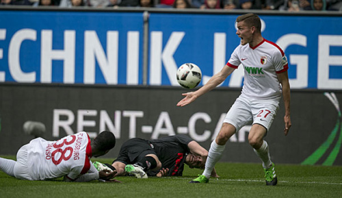 Bundesliga: Reuter kämpft gegen Finnbogason-Rot